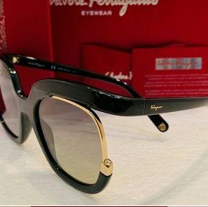 Salvatore Ferragamo Accessories - Salvatore Ferragamo SunglasseStyle SF863 color 001